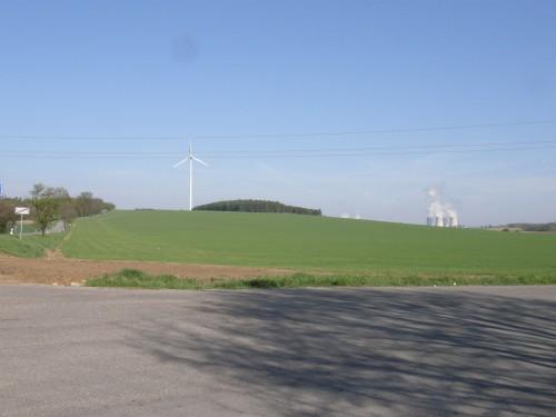 Veterná a jadrová elektráreň
