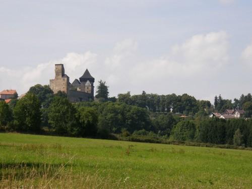 Ešte je k hradu niekoľko kilometrov