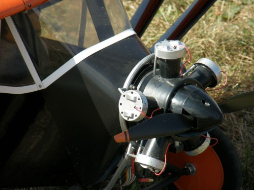 Detail na maketu motora
